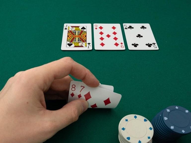 Tangan Poker Terbuka