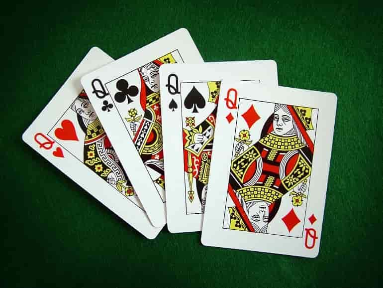 Quads Poker